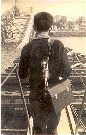 Duong Nghiem Mau - war reporter before the Trang Tien Bridge - 1968