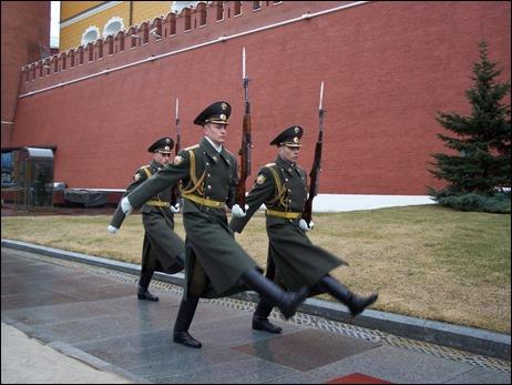 Đổi gác trước điện Cẩm Lin( Kremlin)