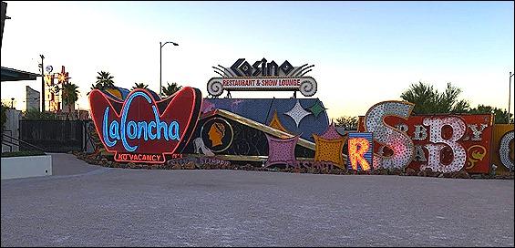 pic 5. Biển quảng cáo Laconcha ở Neon Museum