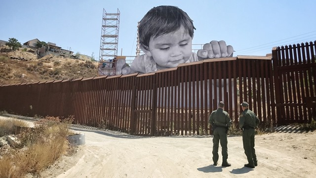 borderwallboy2_wide-db76e283313d24faa33580d7c894ccff4fcc14ca